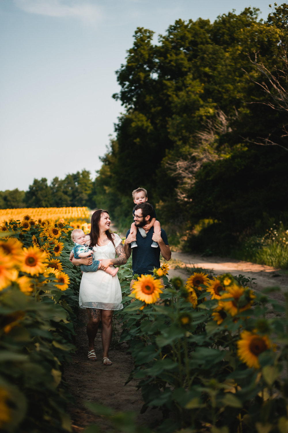 Kaylee and Robert Family Sunflower Session-Kaylee and Robert Family Su-0036.jpg