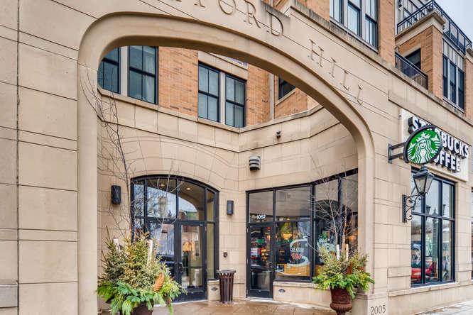 1089 Fairmount Avenue Saint-small-013-3-Starbucks-666x445-72dpi.jpg