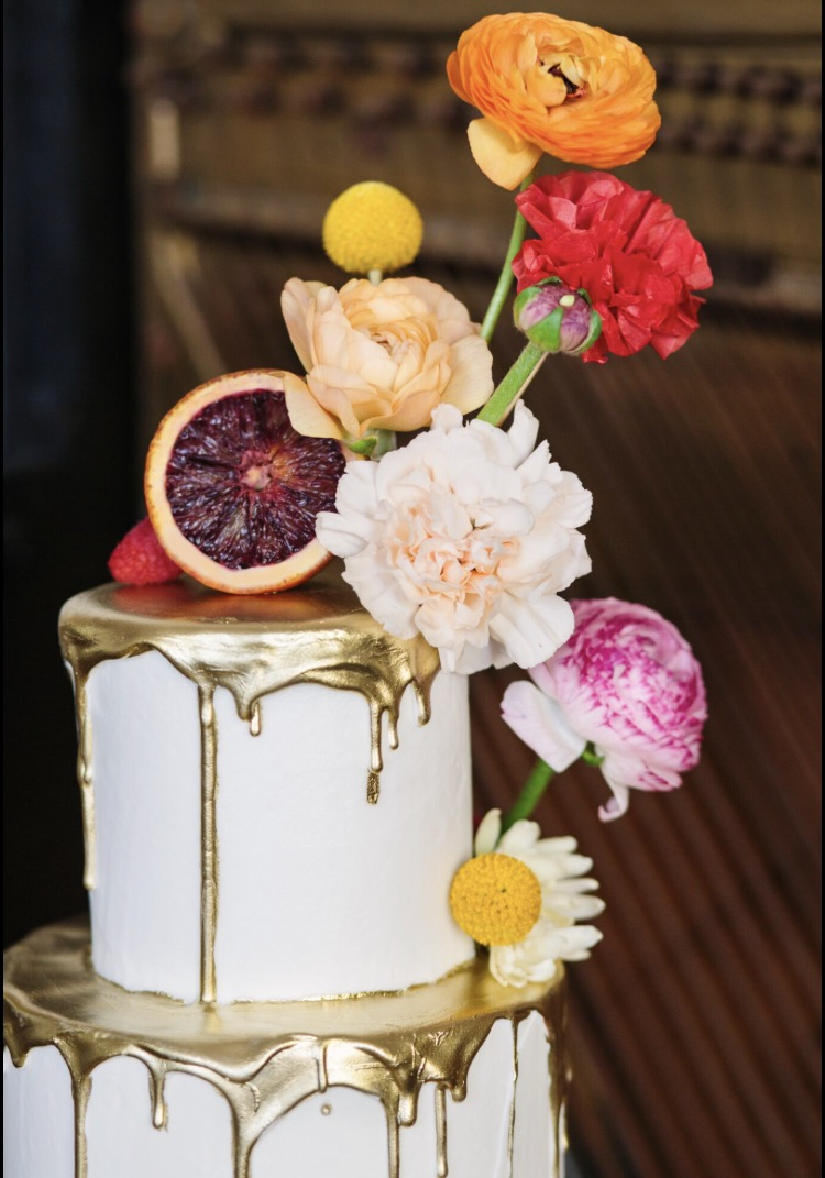 Southern California Wedding Cake Designer specializing in artistic, unique, out of the box wedding cakes and desserts throughout Los Angeles, South Bay, and Long Beach. Edible gold, fondant, and floral design.