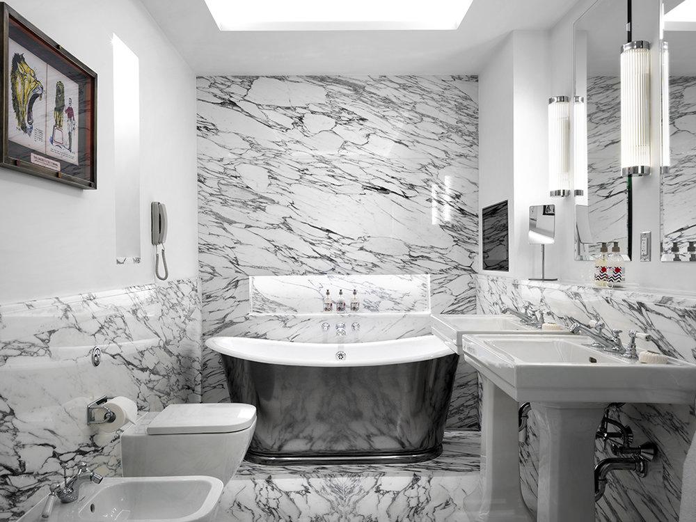 170223_F_W_1Bed_Suite_Bathroom_1012_HighRes.jpg