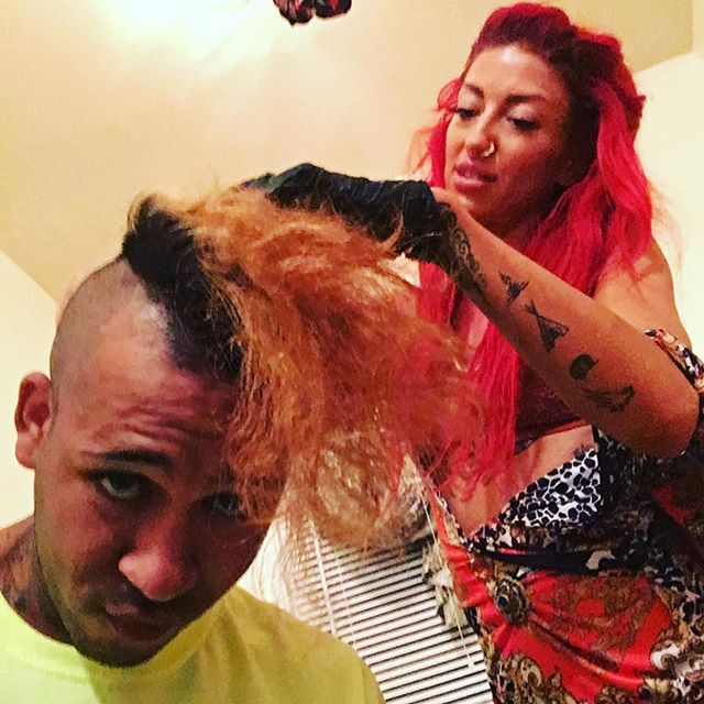 When @neonhitch is your hairstylist tho .... 💇🏼♂️