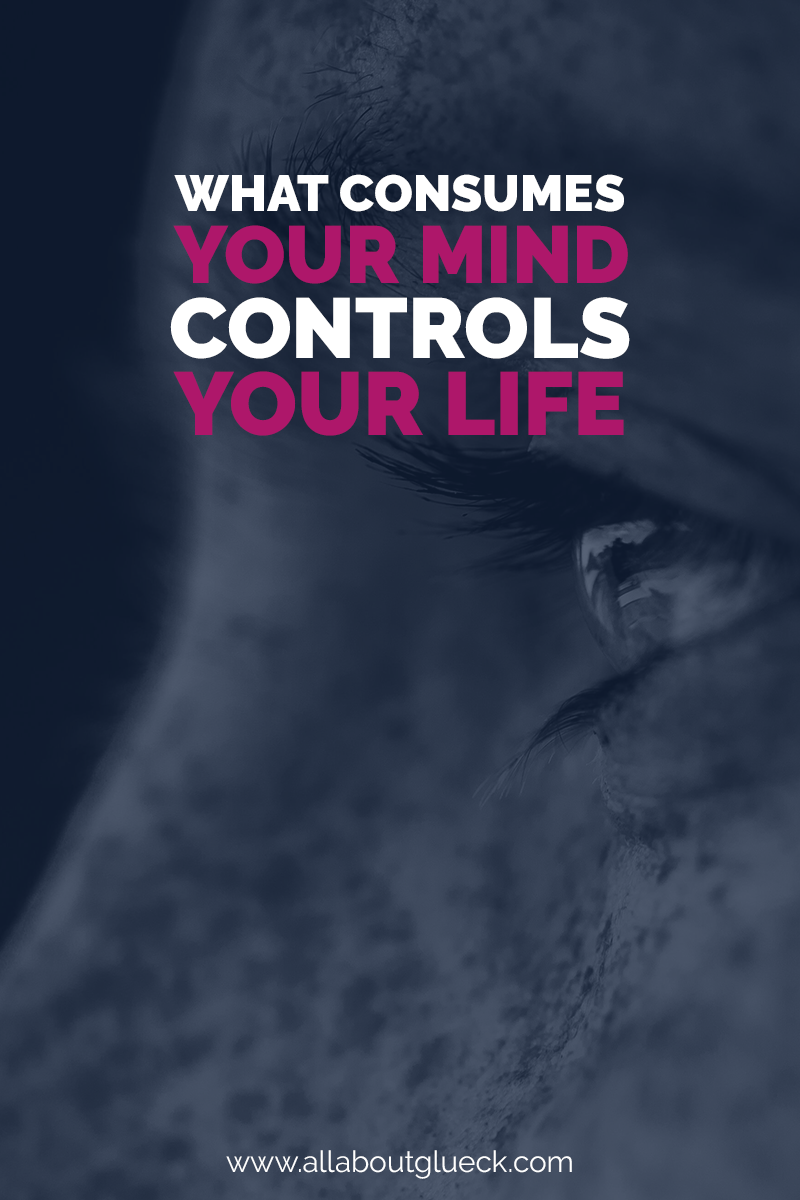 What consumes your mind, controls your life. Here's how to use your mind to visualize positivity and create your dream life! http://bit.ly/visualizing101