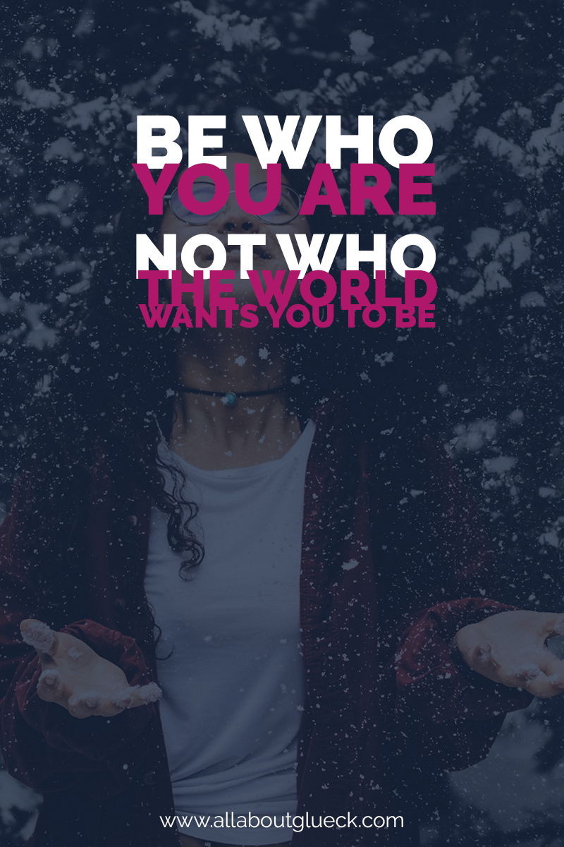 Be who you are, not who the world wants you to be. The minute you accept yourself fully, miracles will start to happen! Learn how to start loving who you truly are NOW! http://bit.ly/loveyourflaws