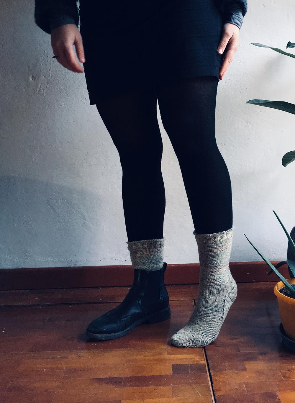 wool_done_come_una_volta_socks_knitting_kit.jpg