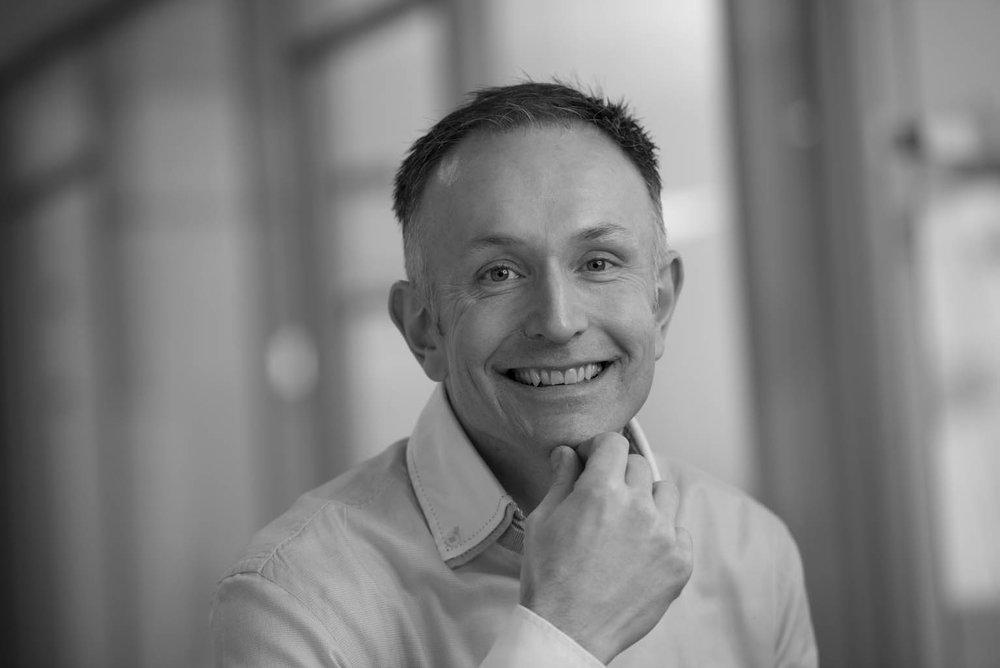 Kjell Petter Småge - Daglig leder/ EnergikultivatorSpesialfelt: Energiledelse og energibruk i kjøpesentere. Coaching av driftspersonell for optimalisering av drift.kps@evotek.no