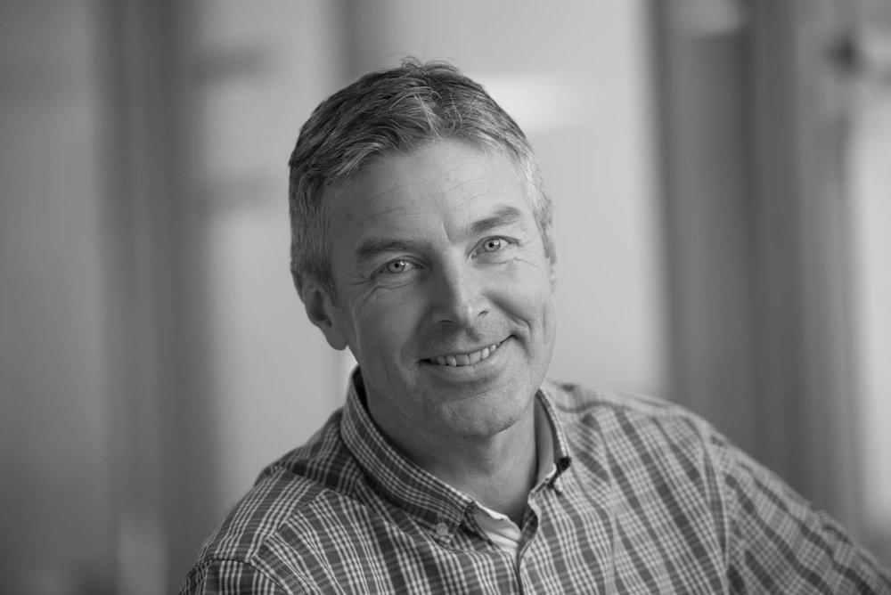 Øyvind Sandstad - SeniorrådgiverSpesialfelt: Byggautomasjon, sd-anlegg, energiledelse, samt teknisk byggherreombud.os@evotek.no