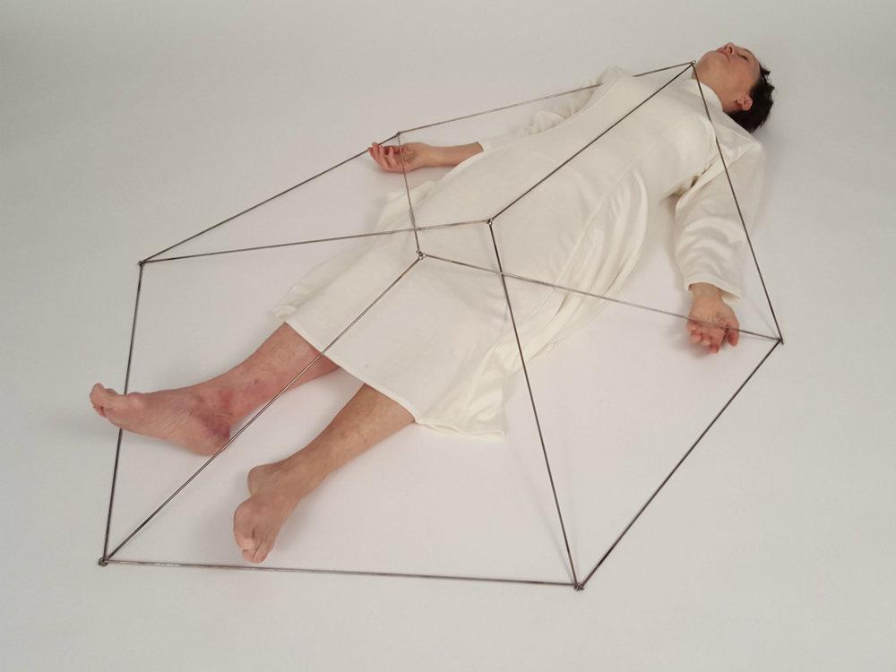 aerial-cube-eva-ingemarsson-dance-1.jpg