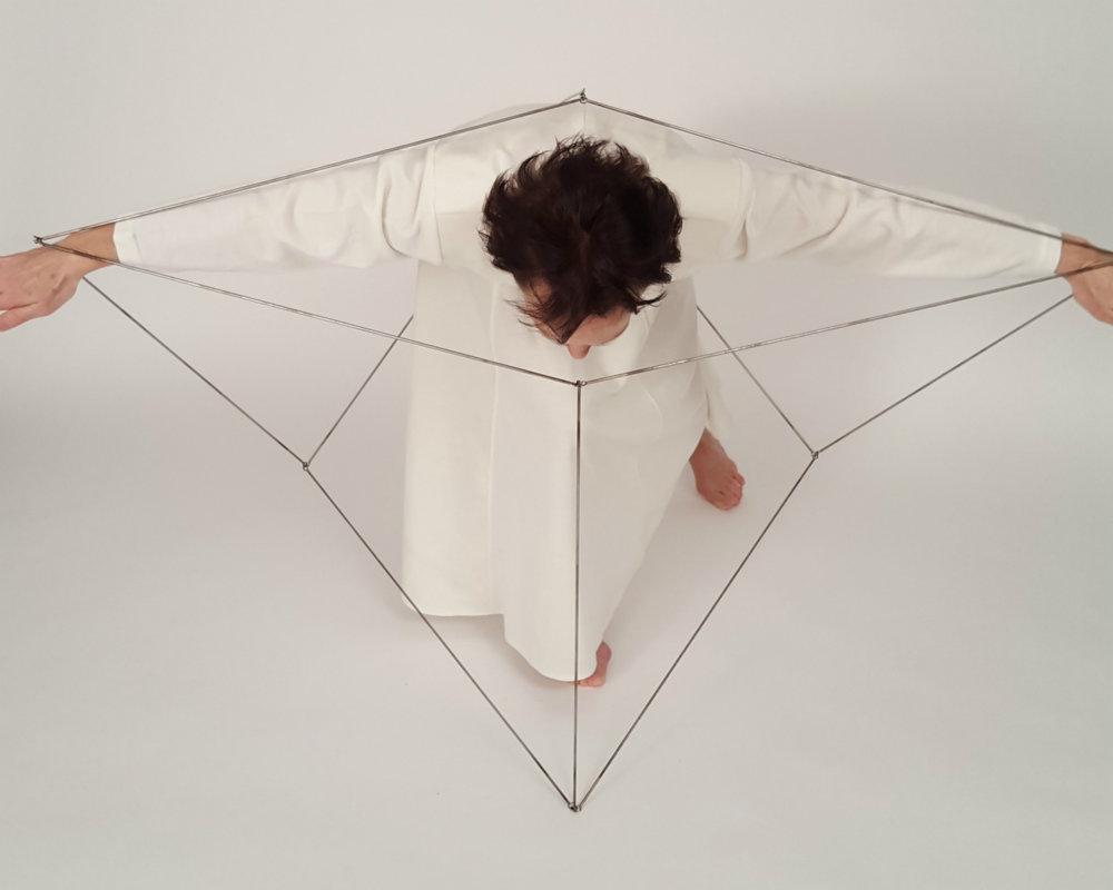aerial-cube-eva-ingemarsson-dance-2.jpg