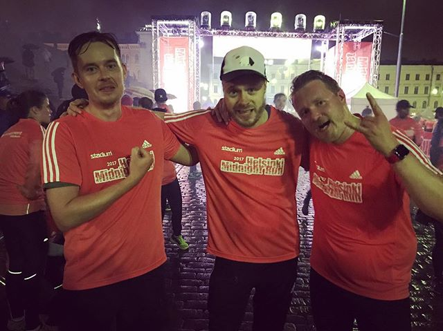 Engineers on the run 🏃🏻#midnightrunhelsinki #shipyardgames #runninclub