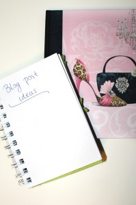 Notetaking is crucial for any writer. Bloggers included!