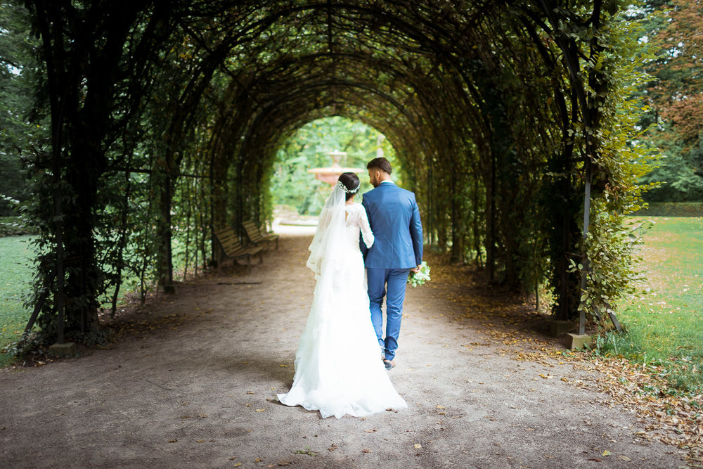Des photos naturelles et sincères - Rania , mariée en Septembre 2017★★★★★Je voulais te dire un grand merci pour les photos. Je ne cesse de les regarder, et toujours avec autant d'émotion. Nous avons été extrêmement ravis de ton travail; non seulement par la qualité des photos mais aussi par ton professionnalisme le jour de notre mariage.Nous voulions aussi te transmettre les compliments que nous avons reçus à ton sujet de la part de nos invités. Tu as réussi à les mettre à l'aise et cela se voit sur les photos. Des photos naturelles et sincères tel était mon plus grand désir… Vivement les prochaines grandes occasions pour retravailler avec toi !