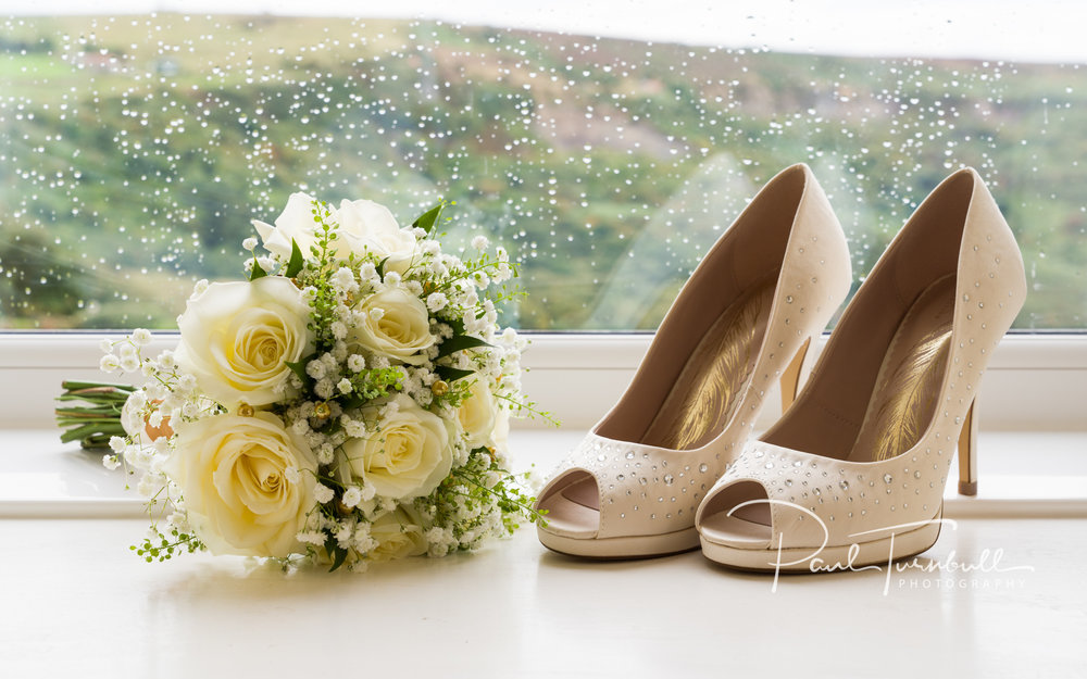 wedding-photographer-raven-hall-ravenscroft--scarborough-yorkshire-lucy-ryan-009.jpg