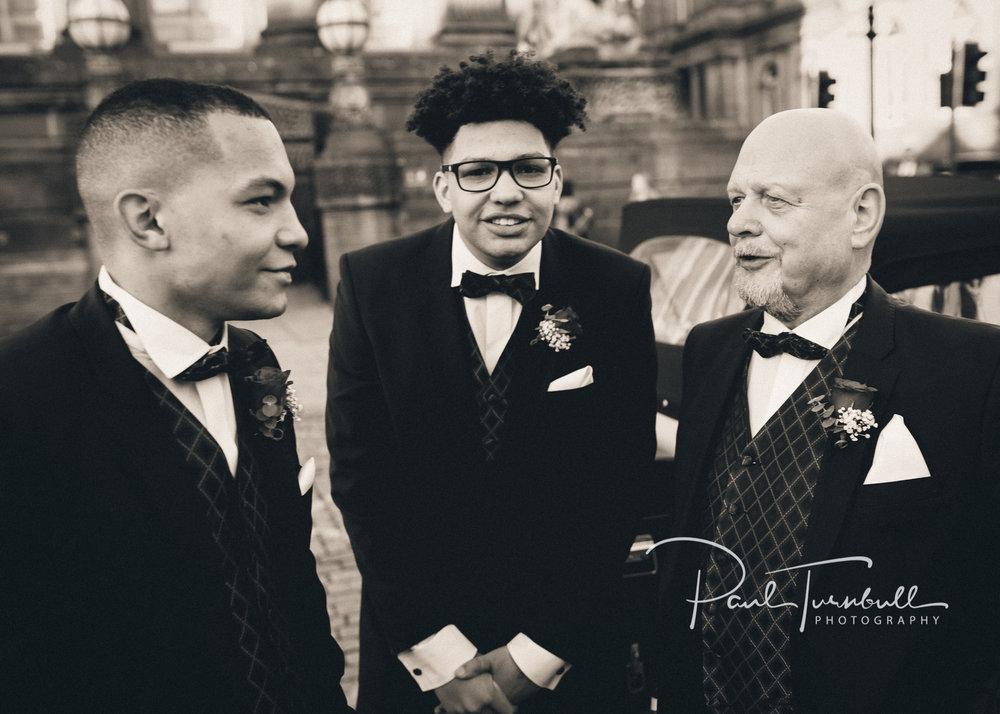 wedding-photographer-leeds-town-hall-014.jpg