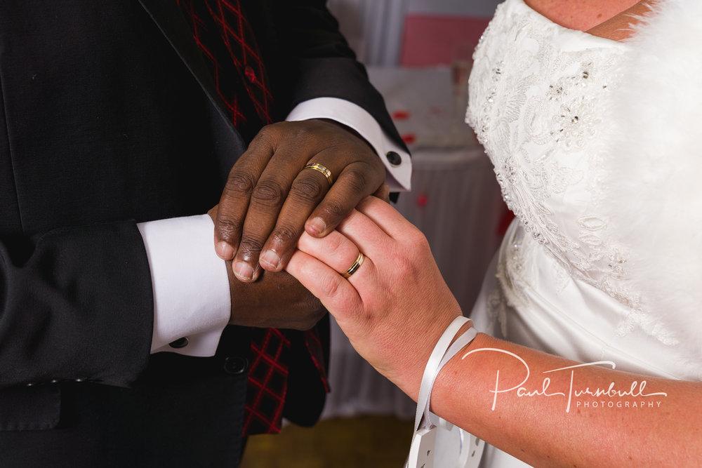 wedding-photographer-leeds-town-hall-025.jpg