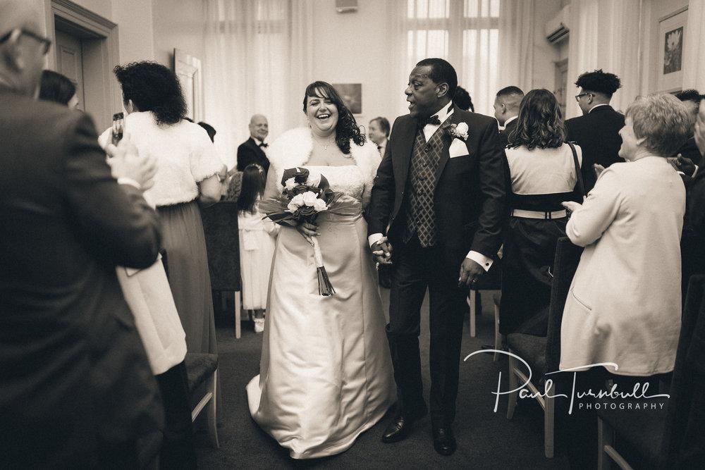 wedding-photographer-leeds-town-hall-029.jpg