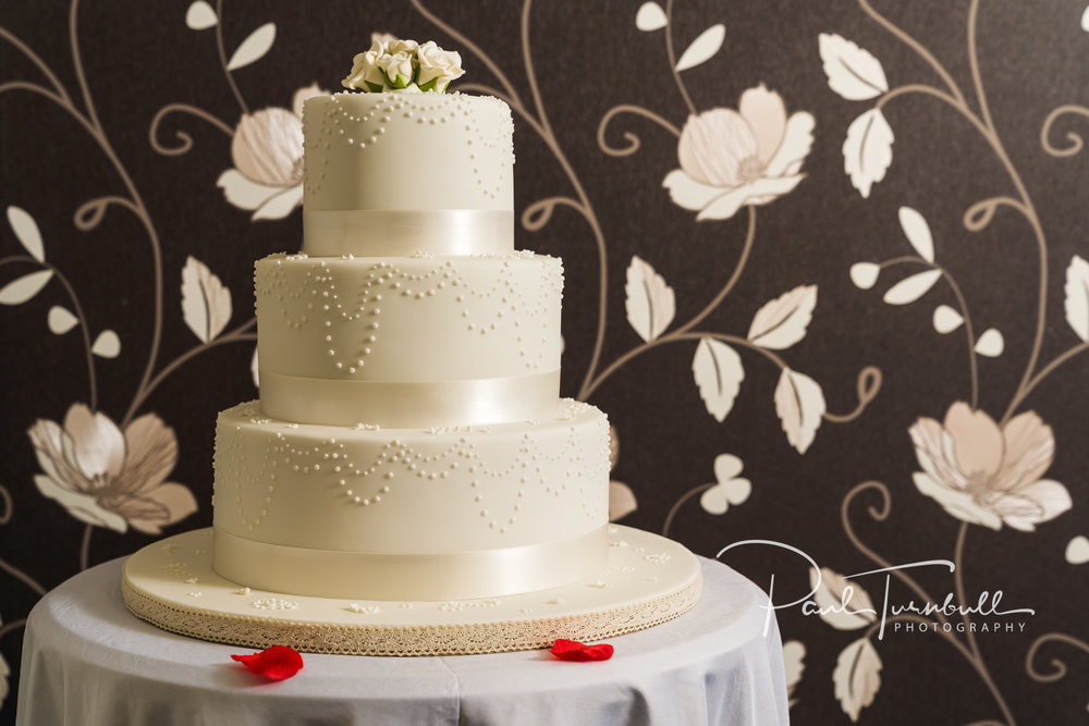 wedding-photographer-leeds-town-hall-035.jpg