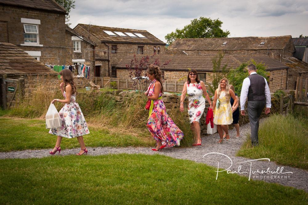 wedding-photographer-hilltop-farm-ilton-yorkshire-004.jpg