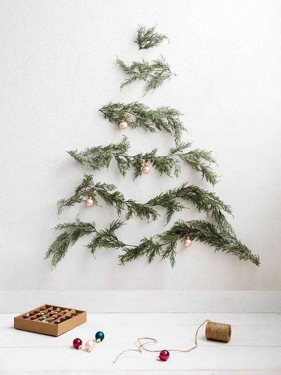 Quelques branches au mur - Photographie par  Michael Wiltbank
