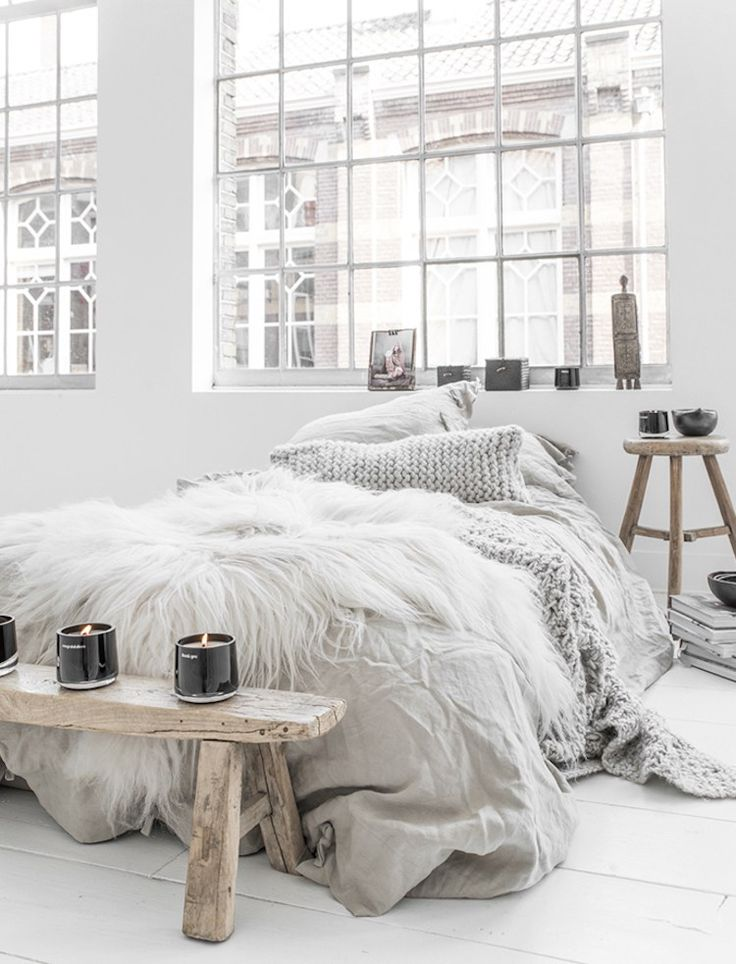 8b74c3e1241a4a575ce58016a5f188eb--hygge-home-cozy-bedroom-cozy-bedroom-design.jpg