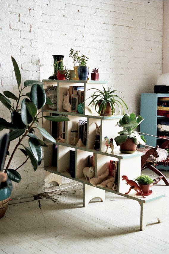85dddb8df0f45632687e4fac6c51e5e8--plant-shelves-book-shelves.jpg