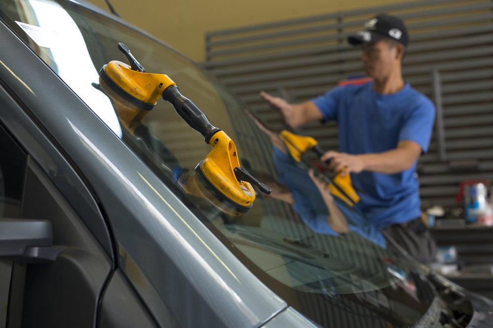 ….Autolasit..Bilglas…. - ….Autolasin vaihto ja korjaus..Utbyte av bilglas och reparation….