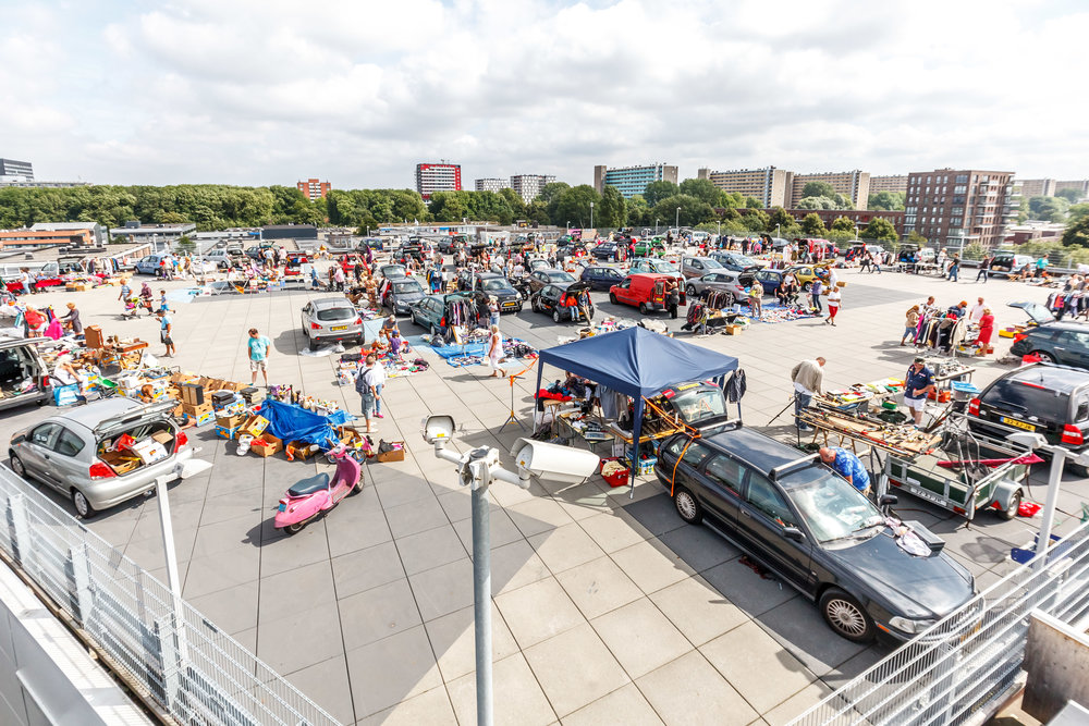 trunk sale event with local entrepreneurs selling goods immediately from their cars. With the planned addition the event space will be covered which makes it weather proof and suitable for all seasons.
