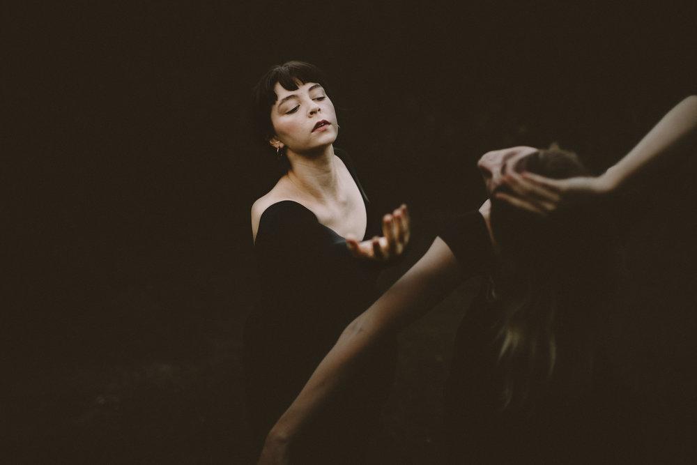 DancersAtDusk030.JPG