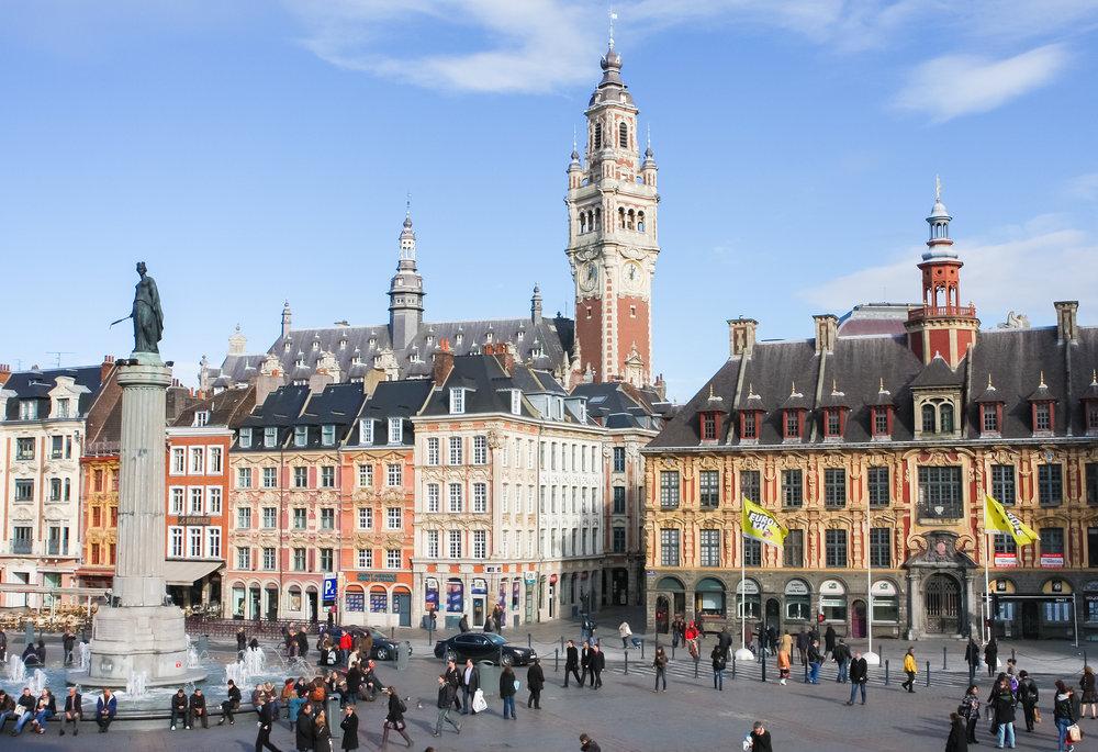 Central Place Du Général De Gaulle à Lille En France Stock Photo Libre de Droits 467572780.jpg