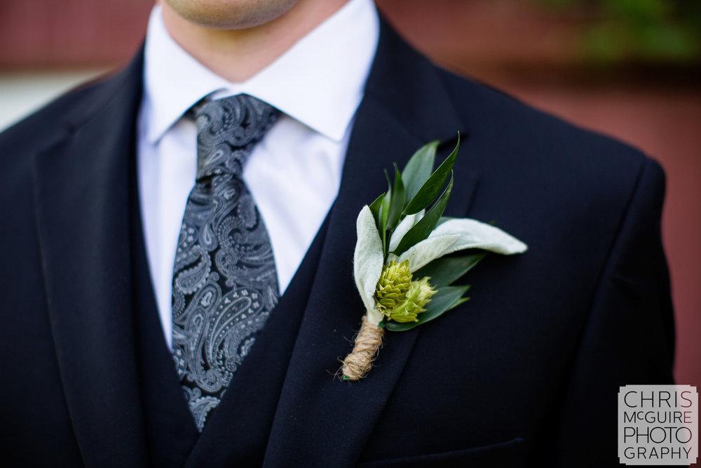 groom boutinierre
