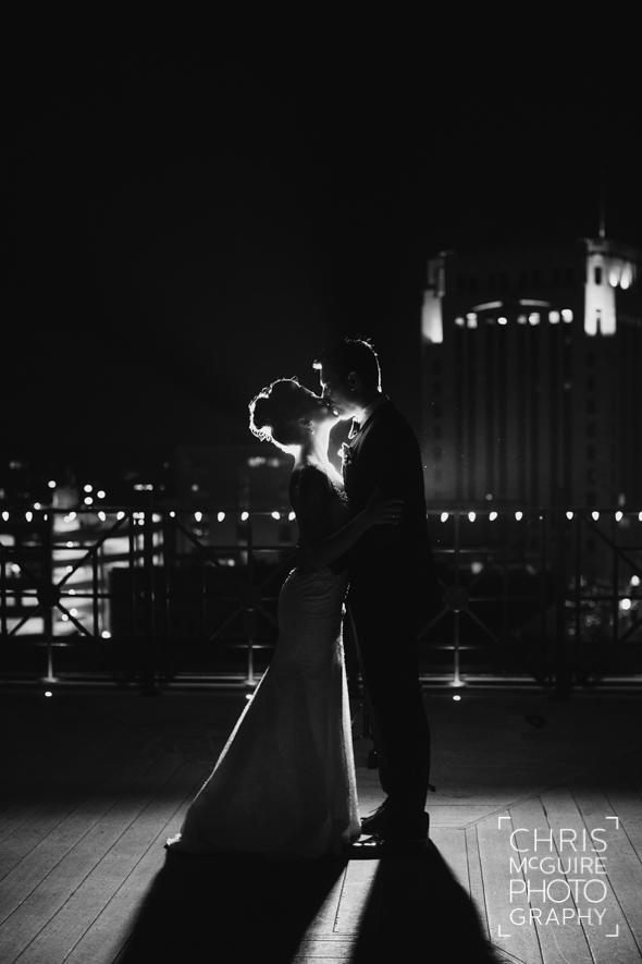 wedding portrait skyline night
