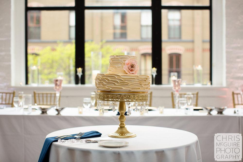 wedding cake pink flower