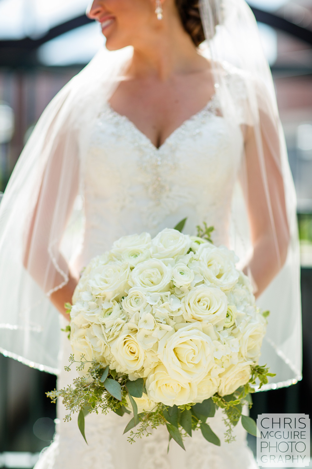 bridal bouquet with veil