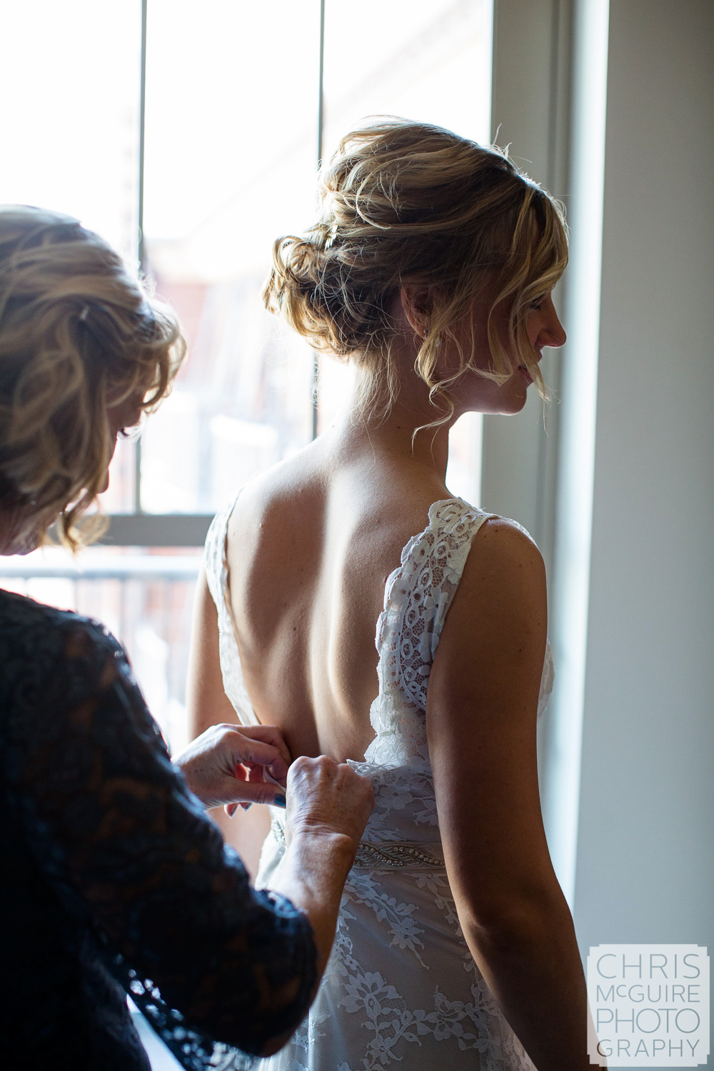 bride getting ready peoria illinois