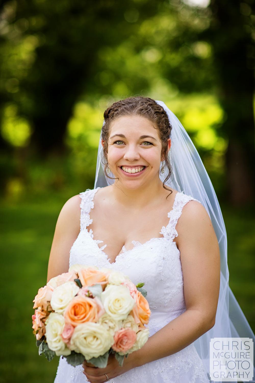 bridal portrait at Crestwicke Country Club