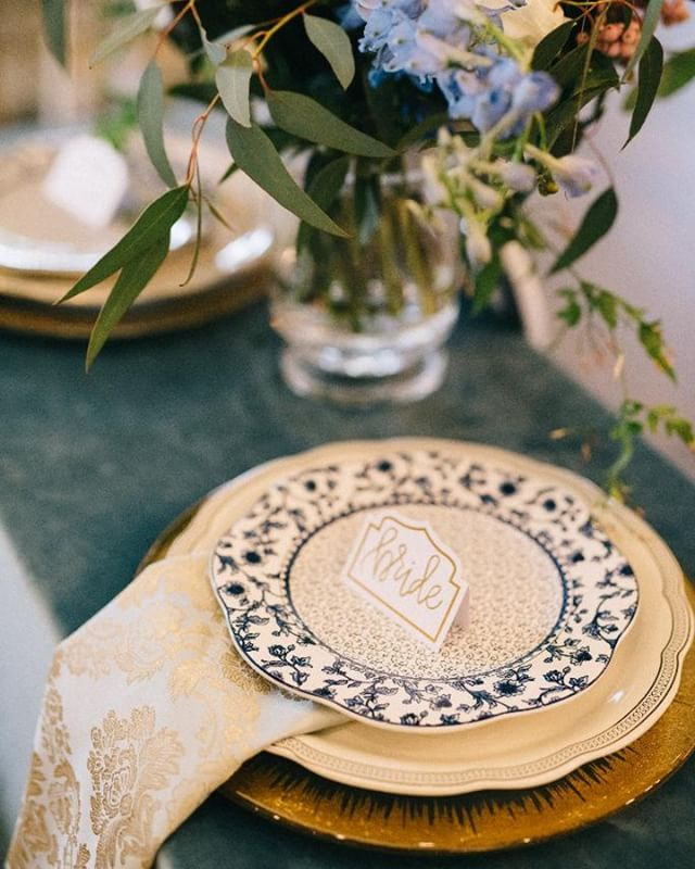 This gorgeous place setting for the Bride + Groom's Sweetheart table has us swooning || @joshmccullock @megowenevents