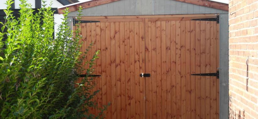 Popular-Garage-with-timber-swing-doors-822x380.jpg
