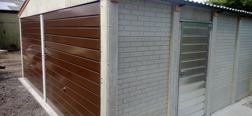 Popular-with-brown-stel-doors-in-brick-finish-822x380.jpg
