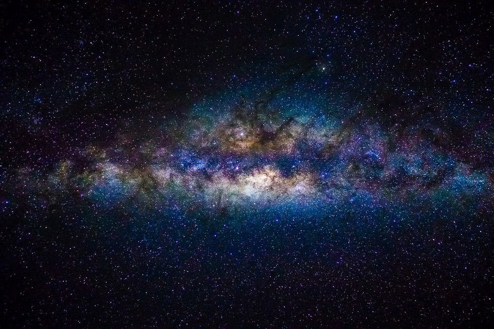 The heart of the Milky Way is clearly visible in the nightsky of Peru (ISO 12800; f 1,8; 8s)