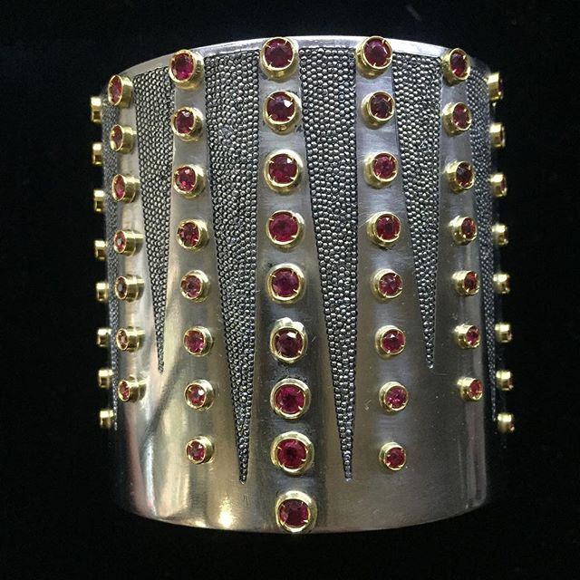 Why not wearing this fabulous cuff?#cuff #ruby #iron #gold #oneofakindjewelry #unique by #isabelladelbono