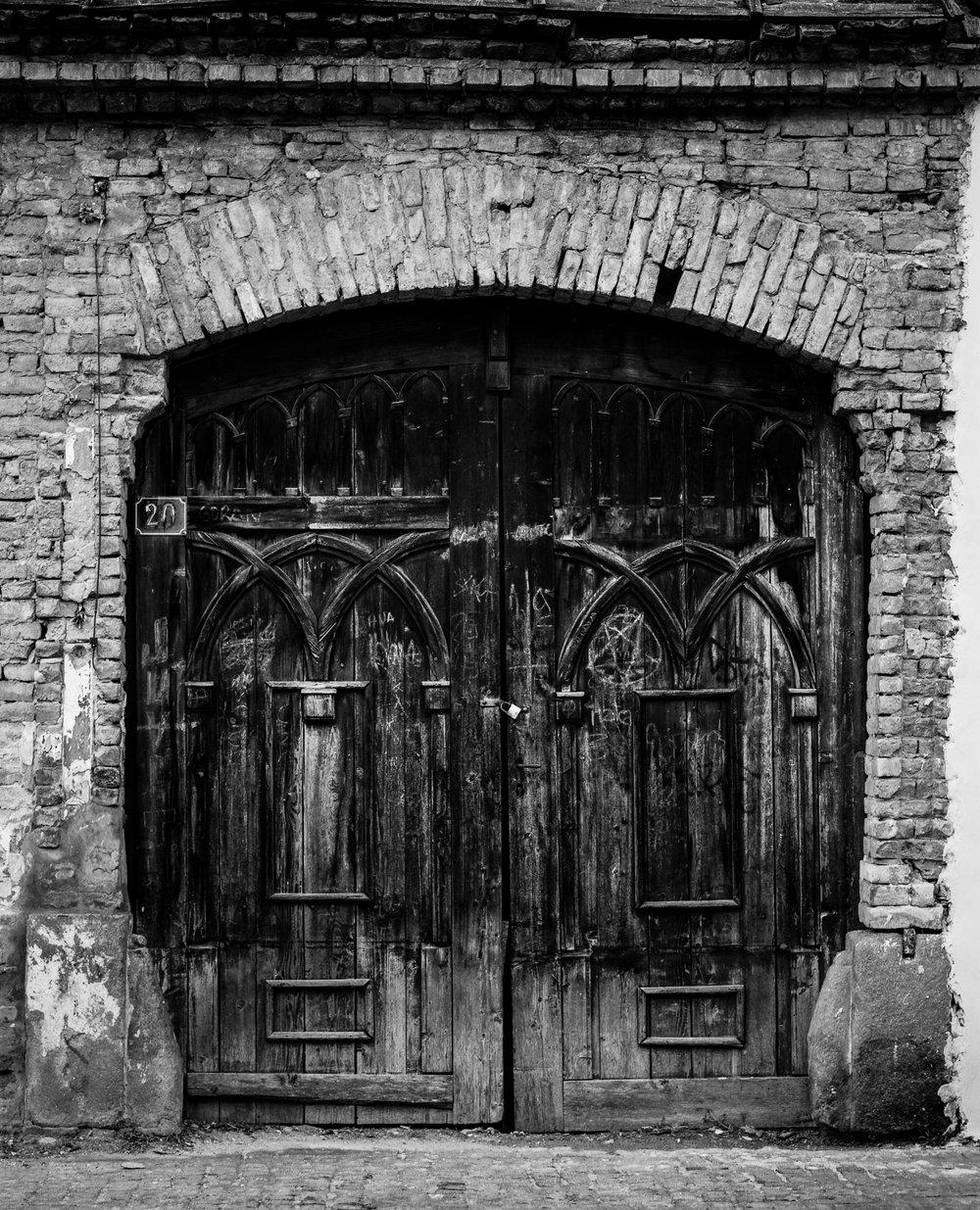 Gate: 20