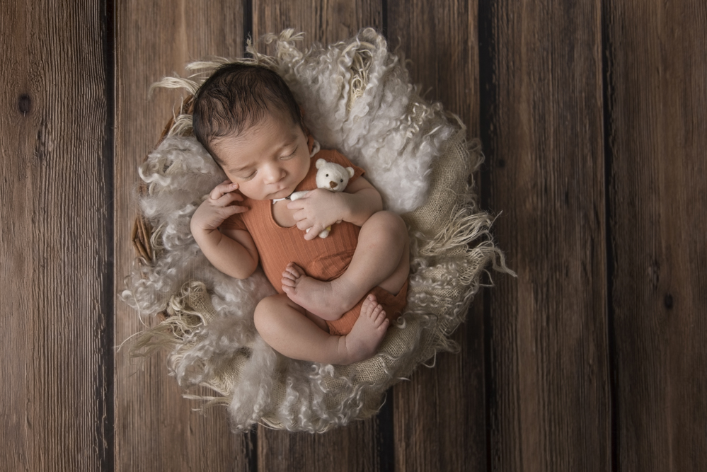 sesiones-recién-nacidos-montevideo-uruguay-madres-bebes-new-born-pati-matos (39).jpg