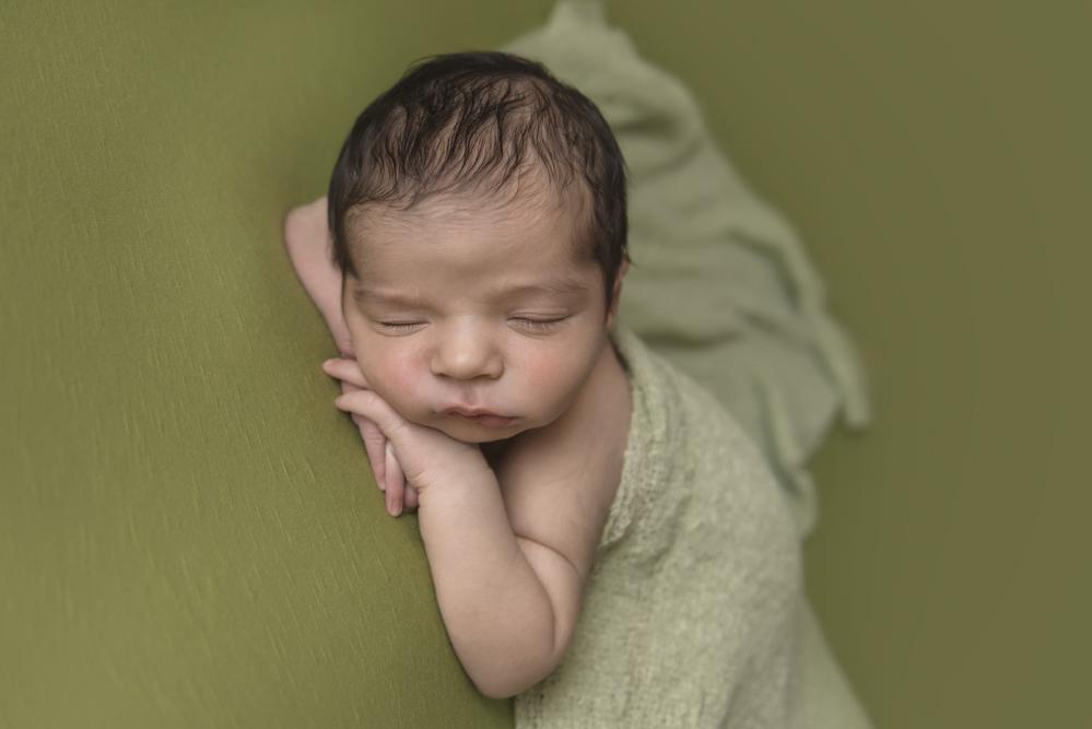 sesiones-recién-nacidos-montevideo-uruguay-madres-bebes-new-born-pati-matos (36).jpg