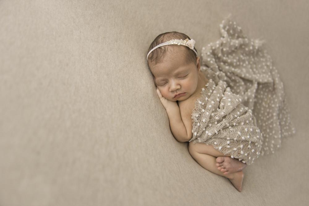 sesiones-recién-nacidos-montevideo-uruguay-madres-bebes-new-born-pati-matos (33).jpg