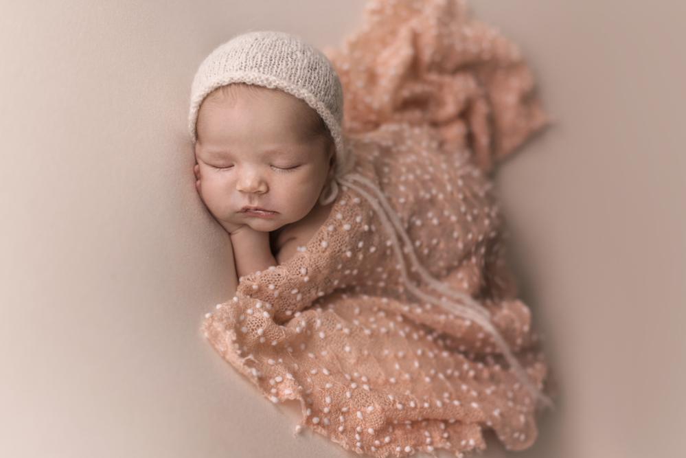 sesiones-recién-nacidos-montevideo-uruguay-madres-bebes-new-born-pati-matos (24).jpg