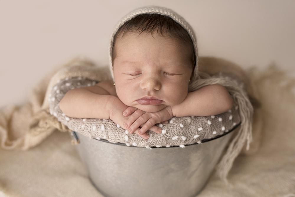 sesiones-recién-nacidos-montevideo-uruguay-madres-bebes-new-born-pati-matos (11).jpg