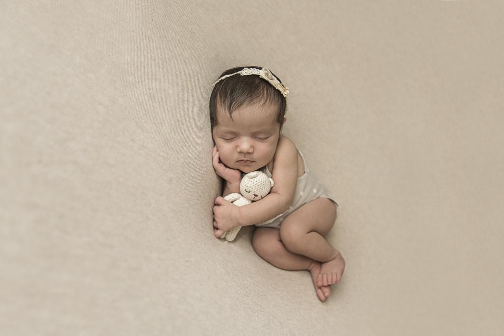 sesiones-recién-nacidos-montevideo-uruguay-madres-bebes-new-born-pati-matos (46).jpg
