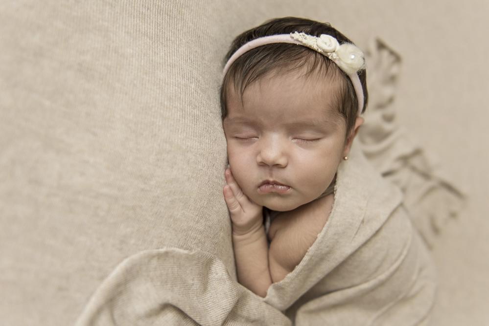 sesiones-recién-nacidos-montevideo-uruguay-madres-bebes-new-born-pati-matos (44).jpg