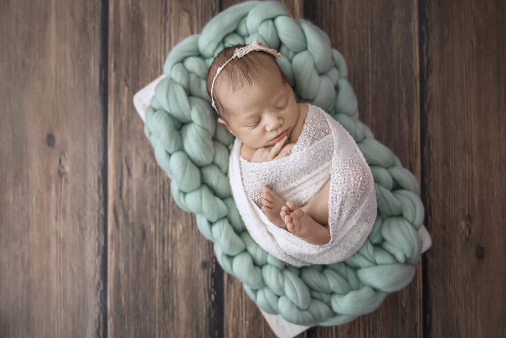 sesiones-recién-nacidos-montevideo-uruguay-madres-bebes-new-born-pati-matos (34).jpg