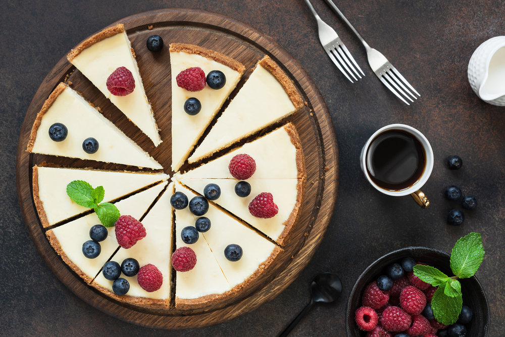 Leipomo, makeat - Tuotteita juustokakuista kerroskakkuihin ja piiraisiin