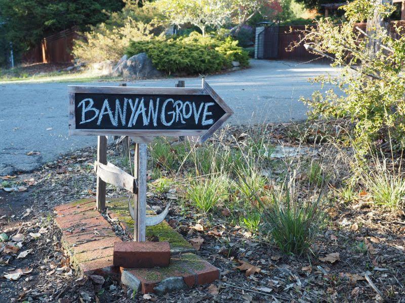 BG-Sign.JPG